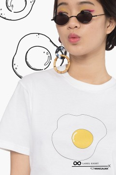 WHITE EGG TSHIRT