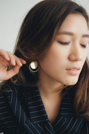 Cassey Round Earrings