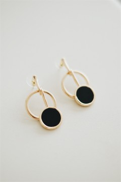 Alma Round Earrings
