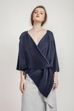 Navy Rui Pleated Kimono