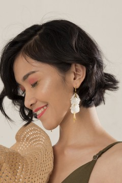 Ivory Shell Earrings